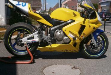 HONDA CBR 2003 600 cc racing